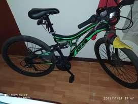 Vendo bicicleta aro 26 doble suspensión con accesorios Shimano