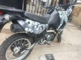 Kawasaki 650cc 30 mil kilómetros 2009 recién matriculada