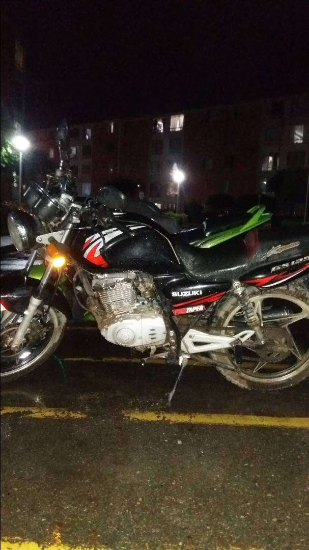 Vendo moto gs 125 0