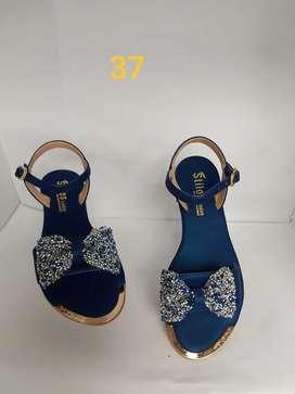 Sandalias y plataformas para dama