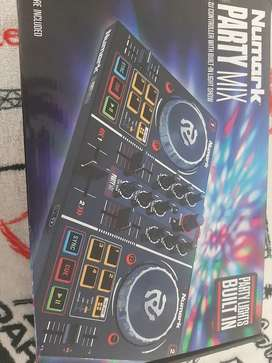 Controlador numark party mix
