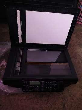 Impresora Epson multifuncional.