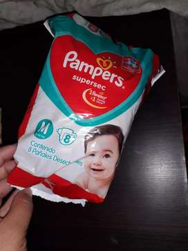 Vendo pañales pampers talle M