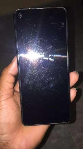 El celular tiene 4 meses de uso