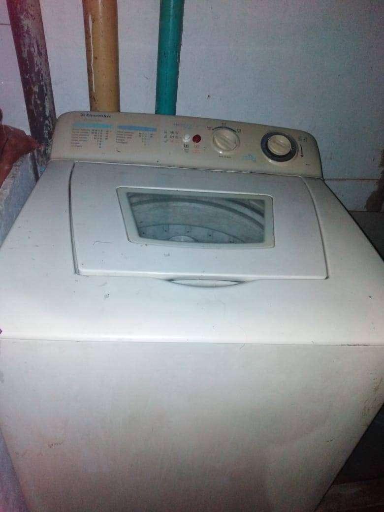 Venta de lavadora para repuestos o reparar 0