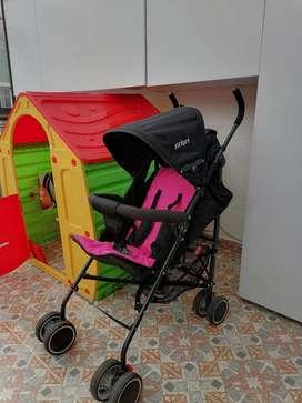 Vendo paseador para niña, ideal y muy práctico para llevar a tu bebe.