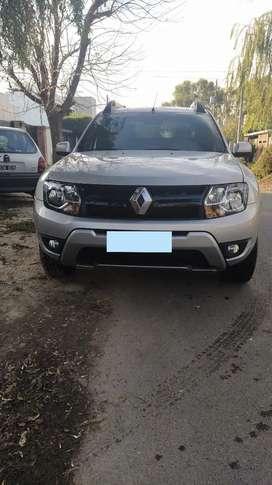 Vendo Renault oroch como nueva.