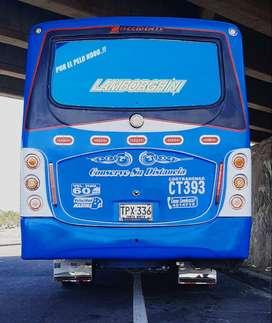 Buseta en santa Marta de 30 pasajeros  cambio por camión o efectivo