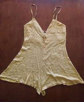 vestido/ monito amarillo