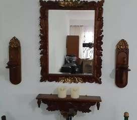 Juego de espejo en vidrio vicelado,candelabros y repisa