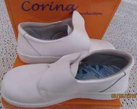 Zapato blanco CORINA  talla 35