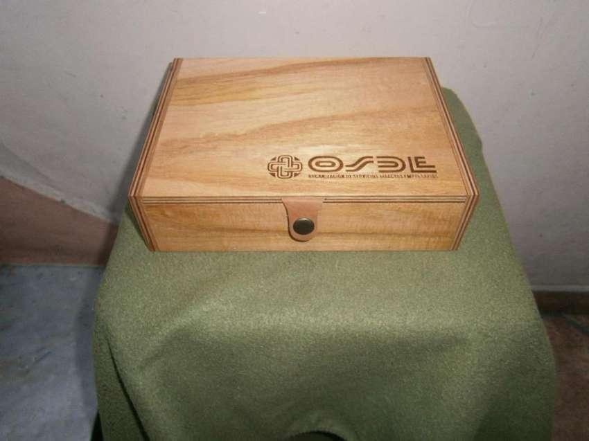 cajita de madera nueva 24 X 18 ancho X 6,5 alto 0