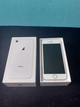 VENDO IPHONE 8 VERSION GOLD