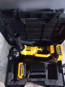 Pulidora inalambrica dewalt 68 v trae dos baterías cargador