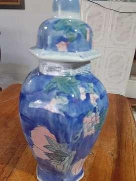 Antiguo jarrón chino de más de 100 años de antigüedad