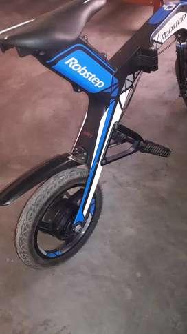 Vendo Moto Eléctrica pistera c/ 2 bat. cargador y ma