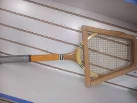 Raqueta de tenis con tensor