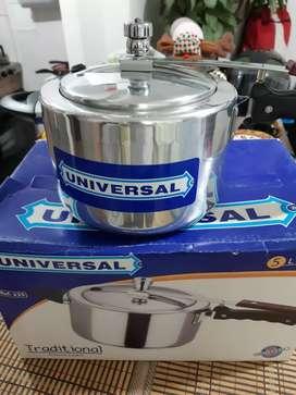 Olla pitadora 5 Litros, Marca Universal, nueva.