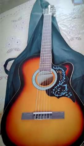 Se vende guitarra en buen estado