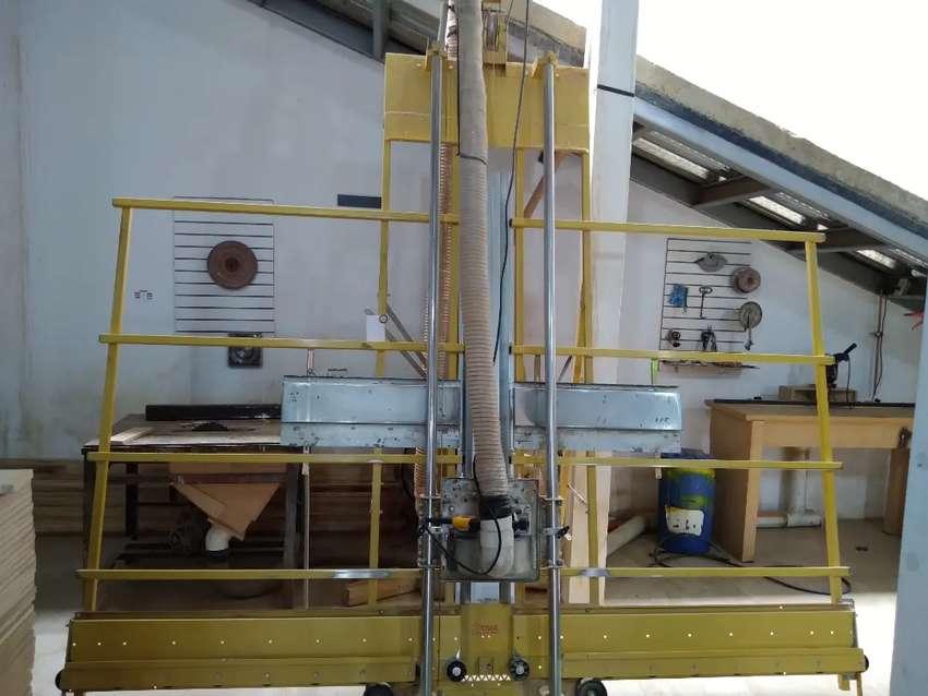 Vendo Cortadora Vertical para tableros de Madera