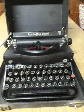 Maquina de escribir Remington Rand