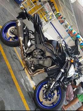 Yamaha fz 1000  en excelente estado.