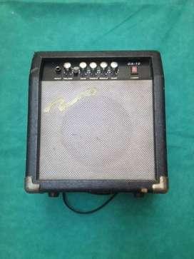 Amplificador de guitarra eléctrica económica