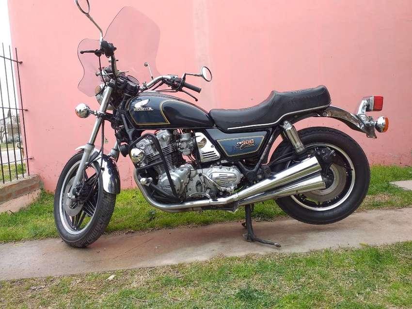 Vendo Honda 900CB Custom 1981 0