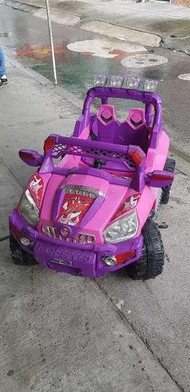 Carro eléctrico  niña