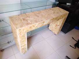 Vitrina y mesa