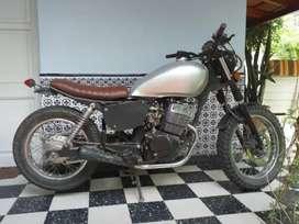 Vendo moto modificada