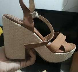 Sandalias de tacón moleca nuevos