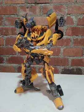 Bumblebee clase lider dark of the mon