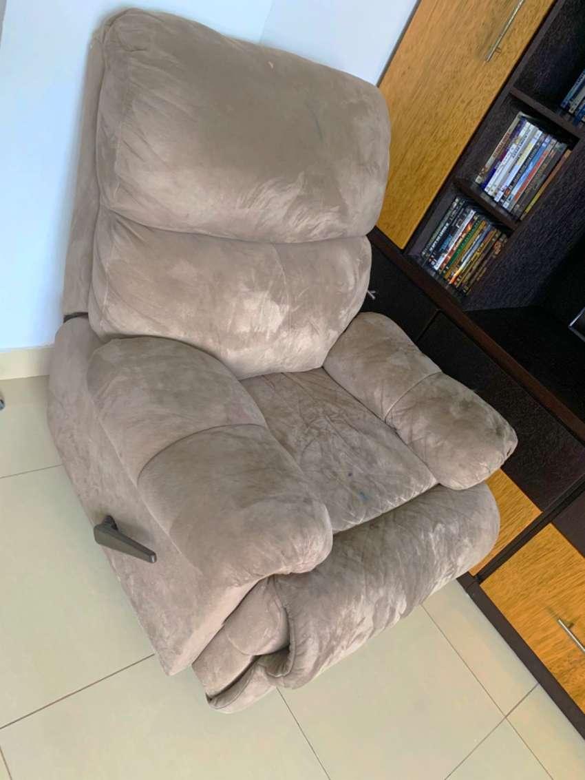 Sofá reclinable 0