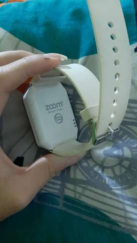 Vendo reloj digital zoom en excelente estado 10/10