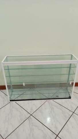 Vitrina en vidrio