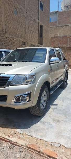 Vendo Toyota Hilux SR , excelente estado de conservación