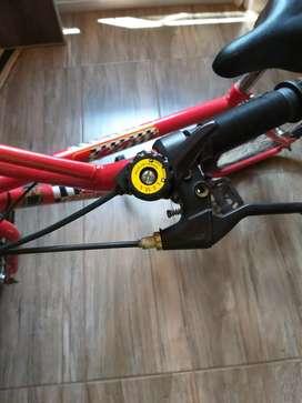 Vendo bicicleta de nene rodado 14 casi nueva