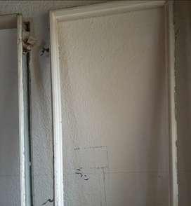 Vendo marcos metallicos para puertas super bueno y excelente condiciones  precio 55.000 cada uno