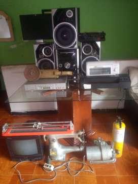 Se remata varios electrodomesticos: pulidora, motor grande, monitor, horno tostador