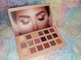 Vendo paleta para ojos de huda Beauty original