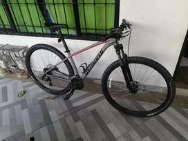 Bisicleta specialized rin 29 como nueva