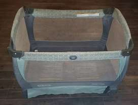CORRAL GRACO 4 EN 1 Premium (Corral Cuna Moises Cambiador) Musical y Vibrador Portátil Transportable, Desarmable Lavable