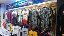 Se vende tienda de ropa acreditado 11 años