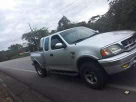 Vendo o cambio ford 150 único dueño deuda pendiente