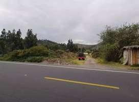 Vendo o cambio terreno por casa el terreno se encuentra alado de la via pricipal antes de llegar a cayambe
