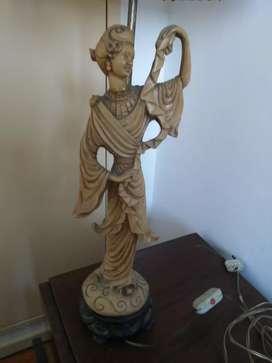 Estatuillas chinas antiguas hechas lampara