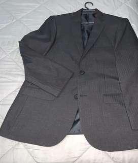Traje NUEVO para corbata color gris a rayas