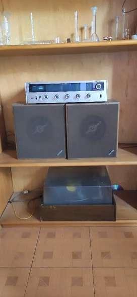 Tornamesa Toshiba + Colección 50 LP ( long plays)