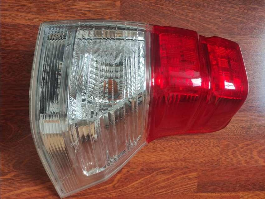 Vendo Stop trasero derecho para Toyota Prado TX TXL,  2010 al 2013 0
